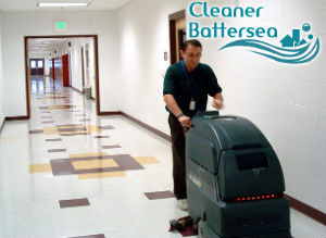floor-cleaning-with-machine-battersea